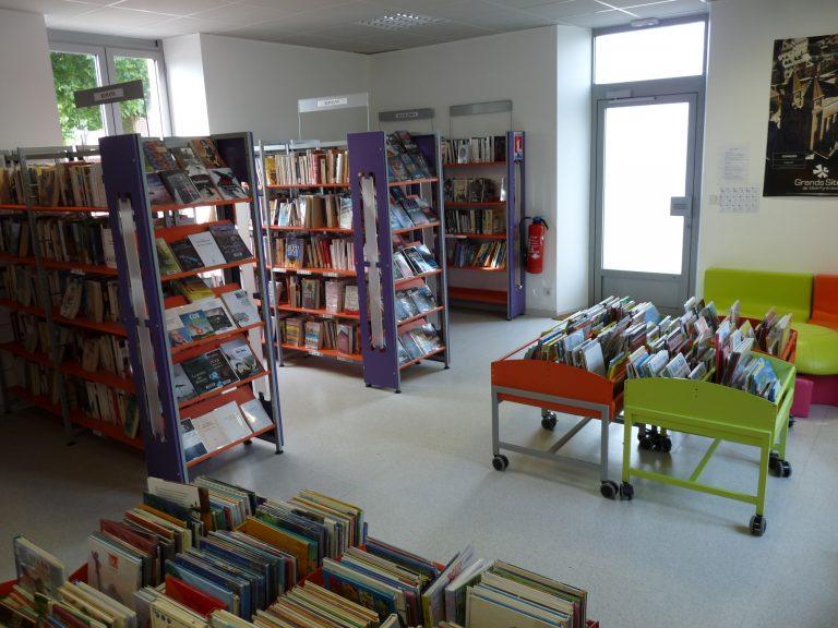 Bibliothèque à Gelles